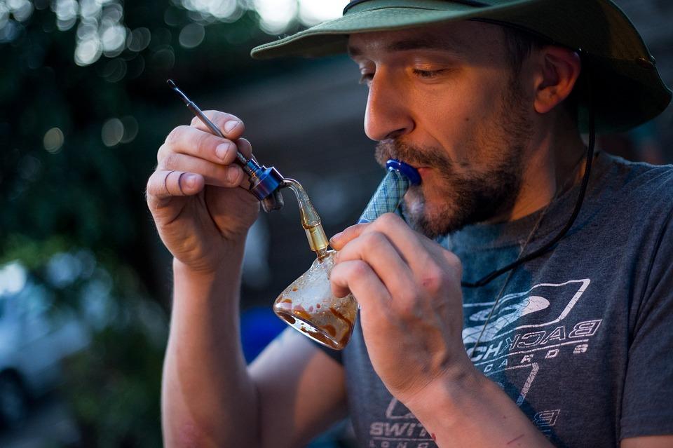 dabbing weed